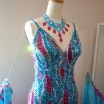 2/11 販売します!プロ着用♪ピンクとターコイズの豪華スタンダードドレス。