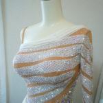 2/23 kuromi2様から「オフホワイトのスタンダードドレスの石貼りと装飾」の商品レビュー♪